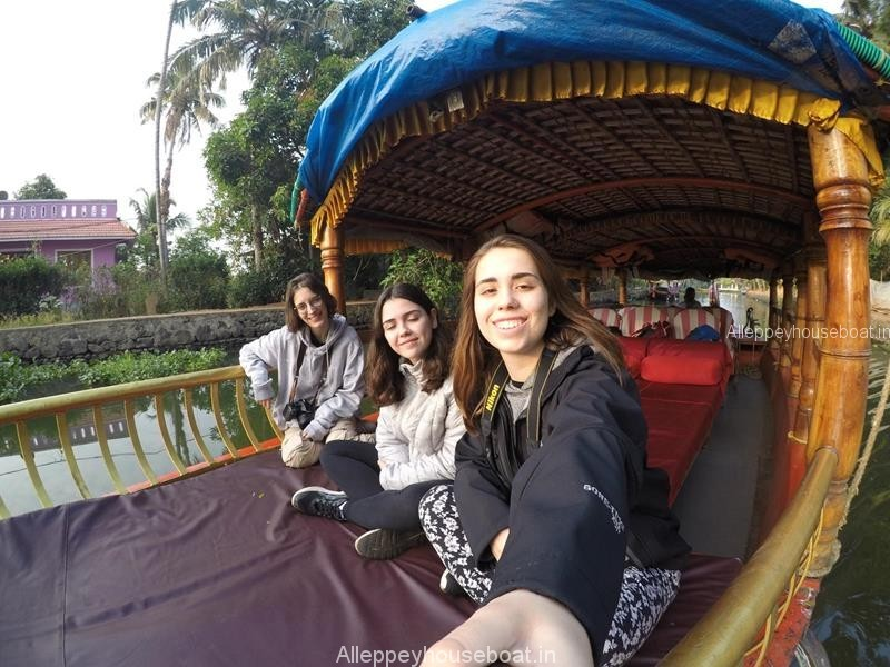 shikara tour by foreign girls in Alleppey
