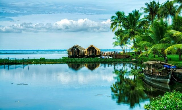 Alleppey_backwater