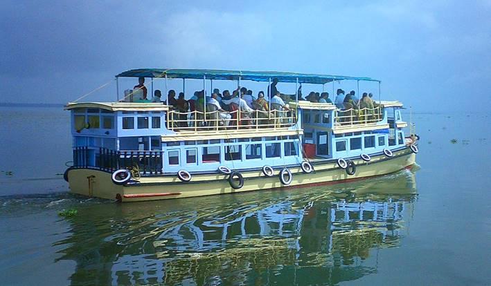 motor boat in alleppey