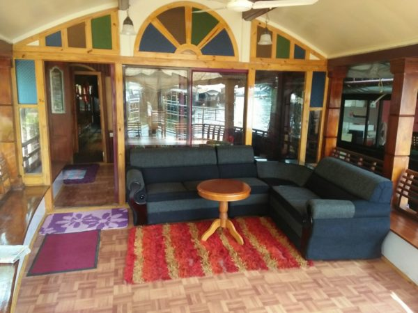 2 bedroom deluxe houseboat sofa are