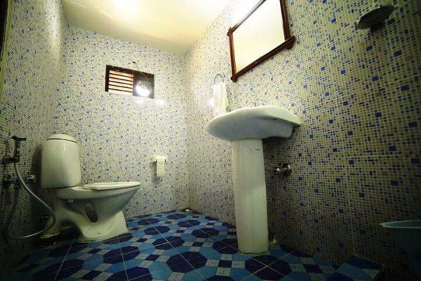toilet in 2 bedroom houseboat