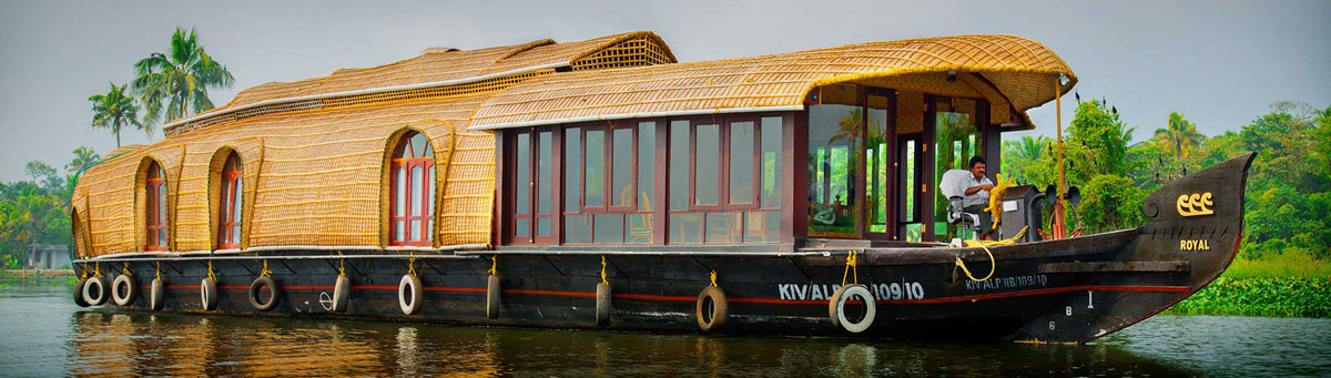 deluxe houseboat in alleppey