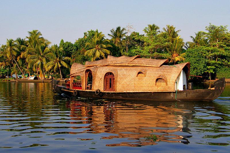 1 bedroom houseboat in alleppey