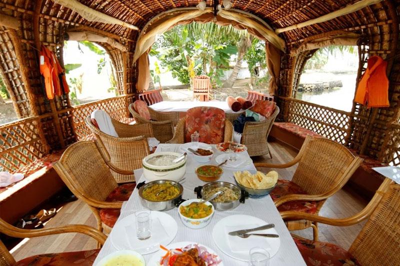 single bedroom houseboat alleppey kerala
