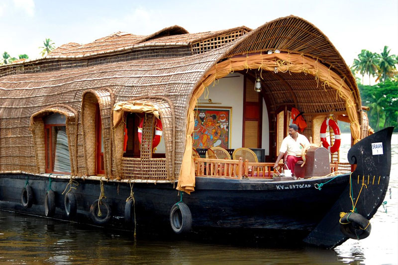 3 bedroom boat house in alleppey kerala