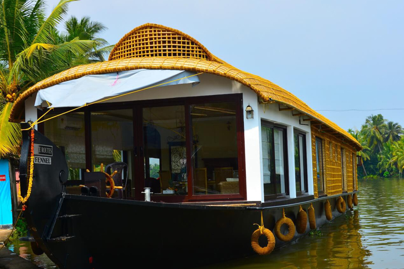 3 bedroom premium houseboat
