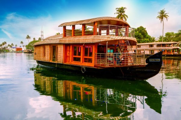 single bedroom houseboat in alleppey
