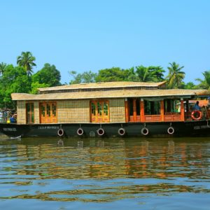 single bedroom boathouse alleppey